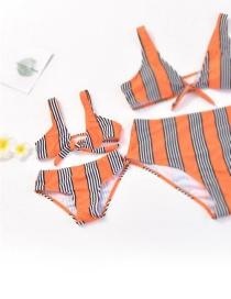 Bikini Con Botonadura En Color Liso Entre Padres E Hijos