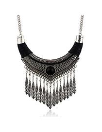 Fashion Black Vertical Shape Pendant Decorated Simple Tassel Necklace